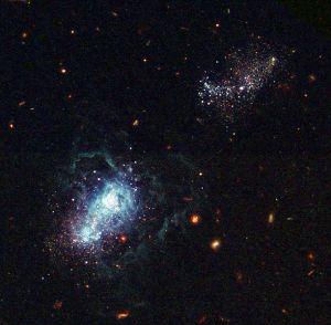 Görsel: Bir başka Hubble resmine göre ise galaksiler kozmolojik zaman çizelgesinin sonlarında şekillenmiştir. Bu da galaksi oluşumlarının evrende hala var olduğu anlamına gelir.